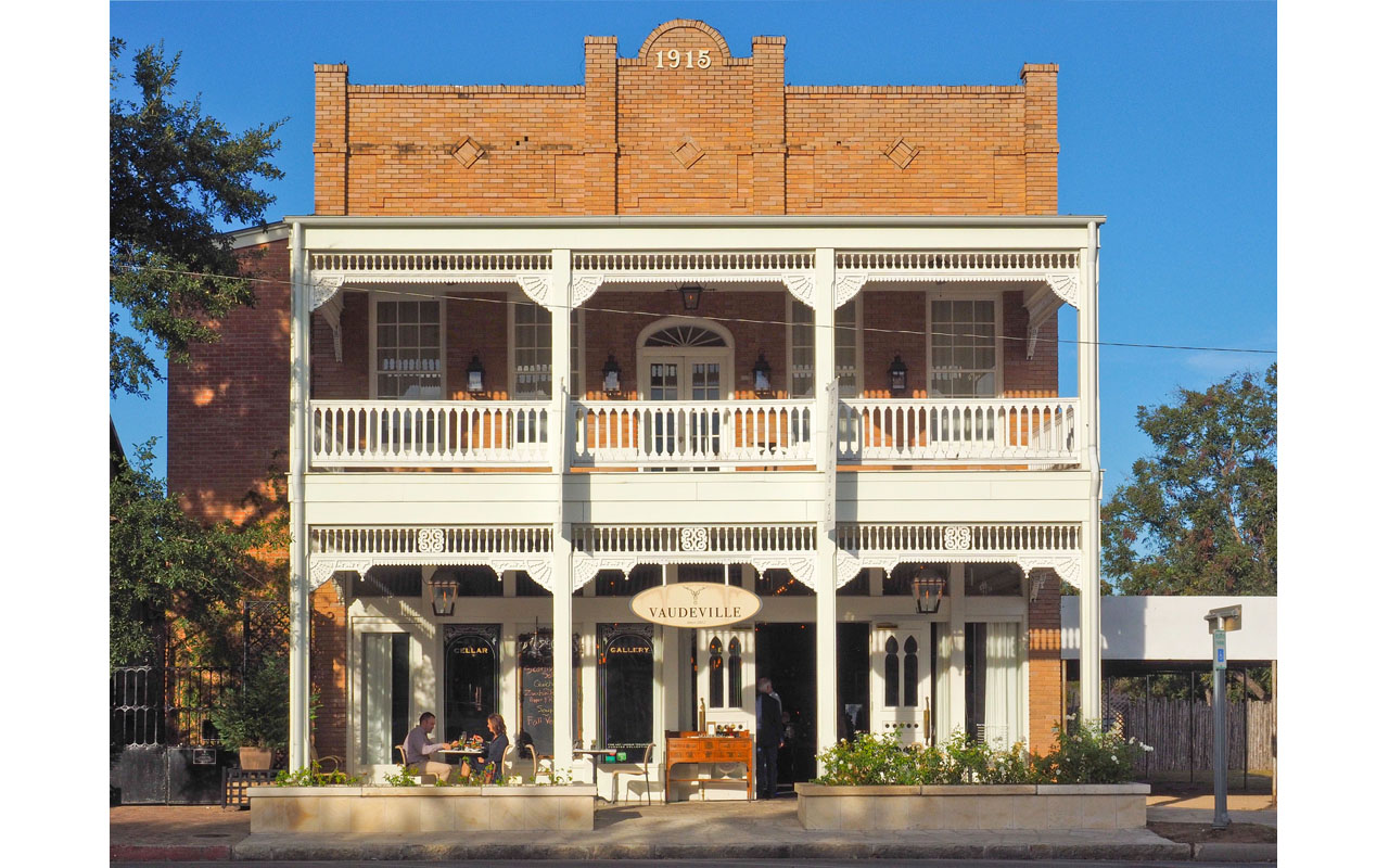 Main Street Architecture (Trish Rawls)